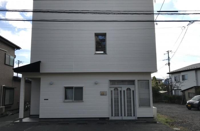 秋田市手形K様邸 外壁塗装色:ND503、屋根塗装色:ブラック
