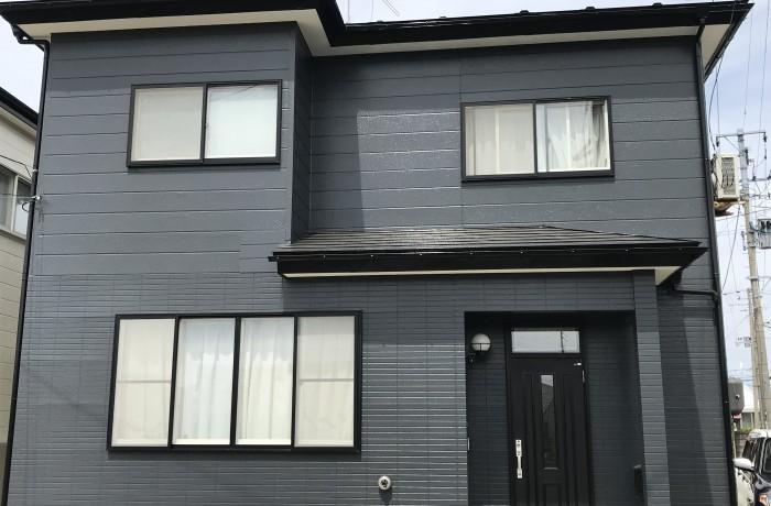 秋田市将軍野O様邸 外壁塗装色:HNー30(オーダー色)、屋根塗装色:ブラック