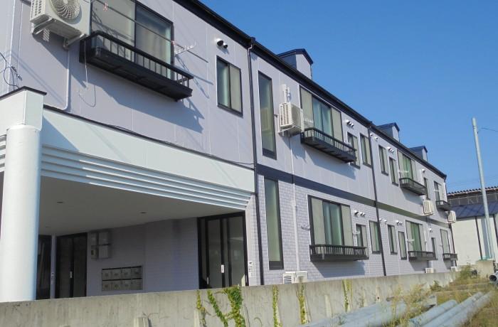 秋田市土崎港 S様所有アパート(外壁塗装色:ND430、屋根塗装色:エンペラーブルー)