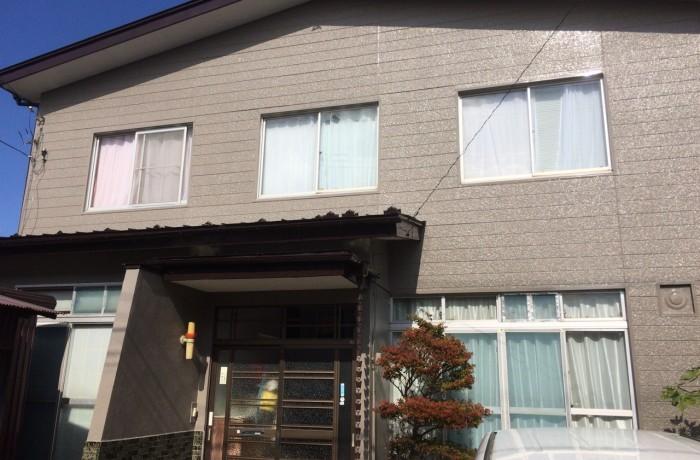 秋田市牛島 S様邸(外壁塗装色:ND375、屋根塗装色:コーヒーブラウン)