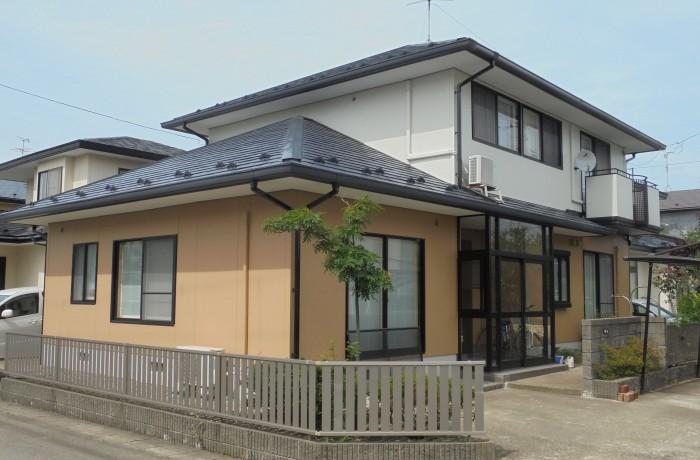 秋田市牛島F様邸 外壁塗装色:2F   ND-102、1F   ND-343