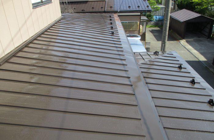秋田市S様邸 屋根塗装、雨樋・軒天井補修